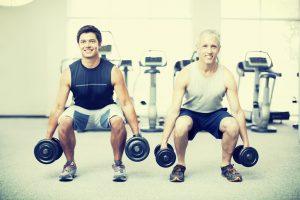 De dumbbell squat is een effectieve oefening voor het krijgen van gespierde billen en bovenbenen