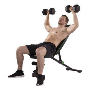 Dumbbelloefening op de Tunturi UB20 Verstelbare Fitnessbank